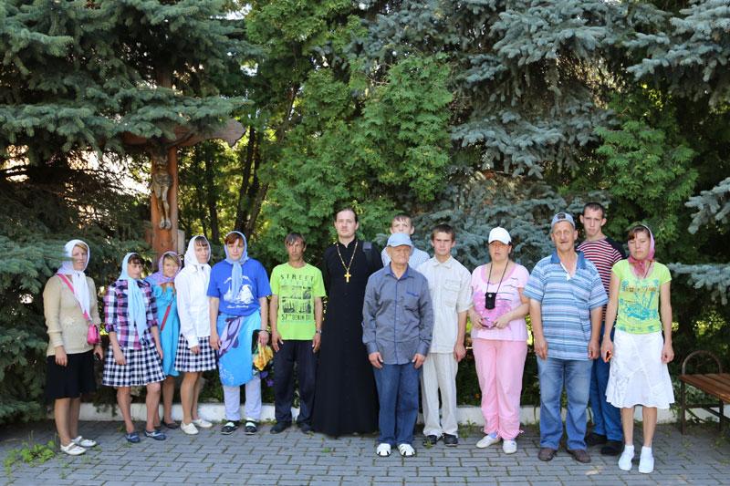 Воспитанники Черкизовского психоневрологического интерната в Коломенском кремле 30 июля 2015 года