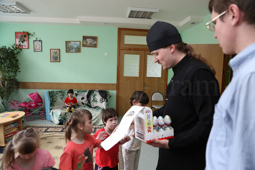 День защиты в ГБСУ СО МО «Коломенский детский дом–интернат для умственно–отсталых детей–сирот и детей, оставшихся без попечения родителей» 1 июня 2016 года