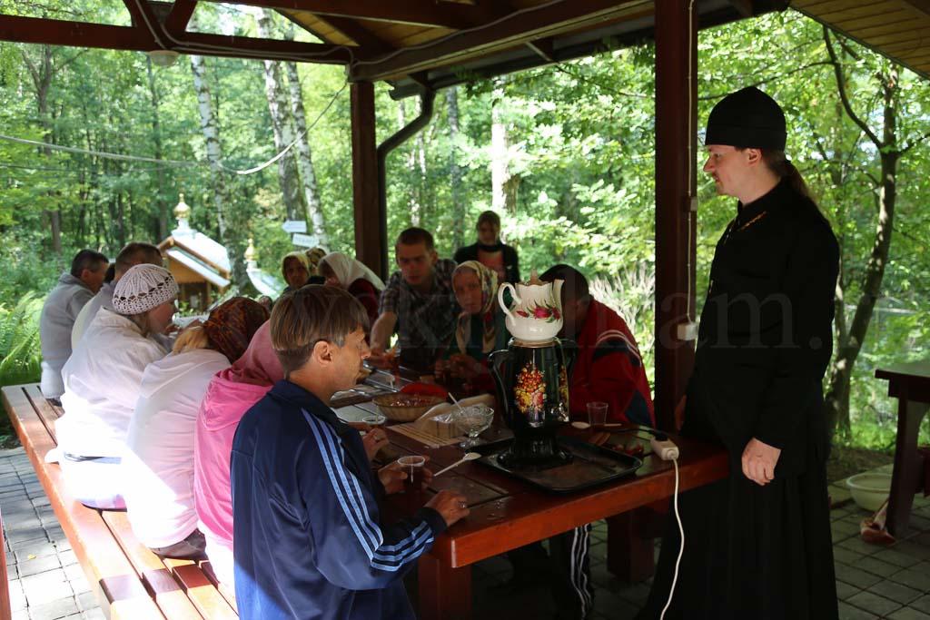 Паломническая поездка воспитанников Черкизовского психоневрологического интерната 5 июля 2016 года