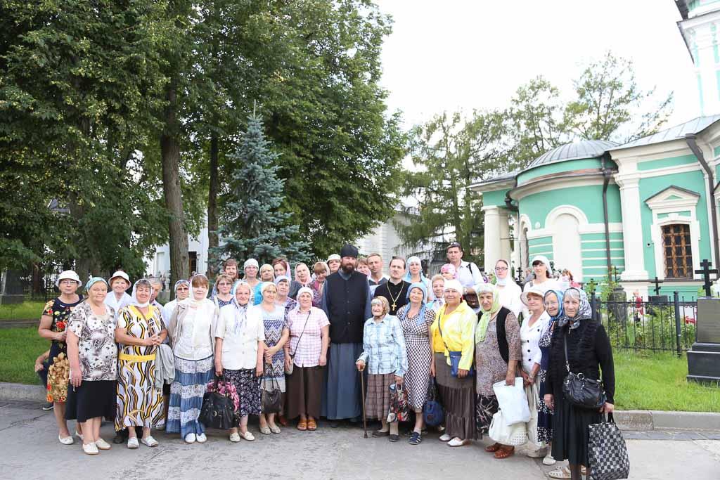 Паломничество прихожан Покровского храма села Никульское в Оптину Пустынь и Шамордино 2 июля 2016 года