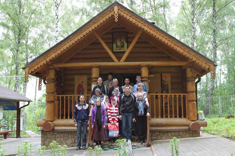 Паломническая поездка воспитанников Черкизовского интерната в Богдановку 29 мая 2013 года