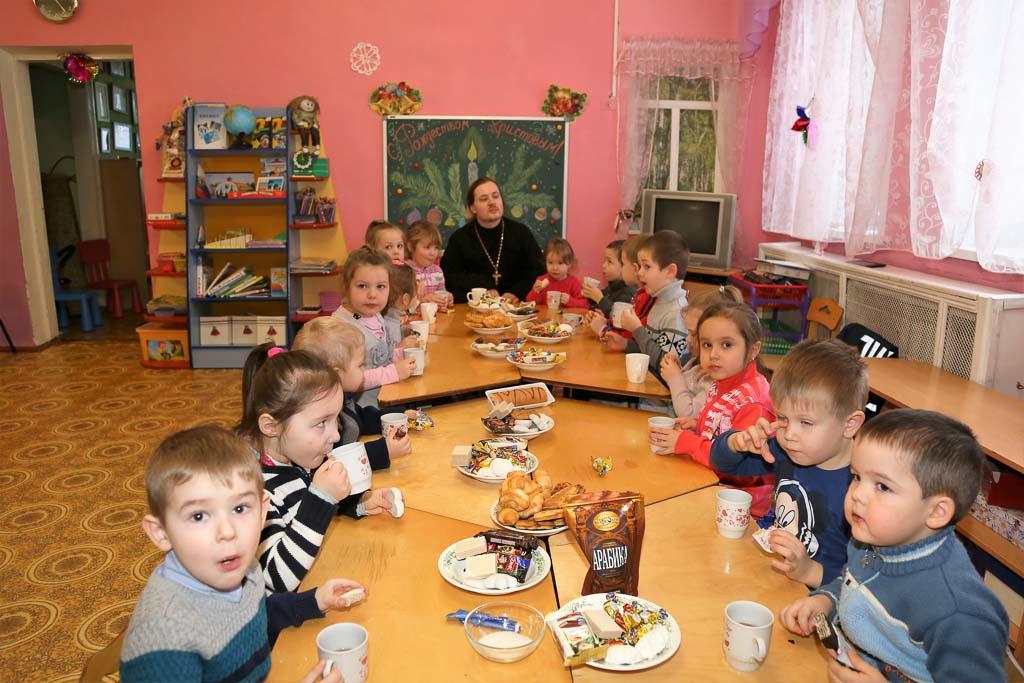 Рождественский утренник в МДОУ детский сад № 31 «Капелька» (пос. Возрождение) 12 января 2016 года